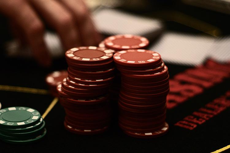 Live Caribbean Stud Poker US